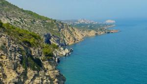 Senderismo en la SIERRA DE IRTA: Calas, playas y acantilados
