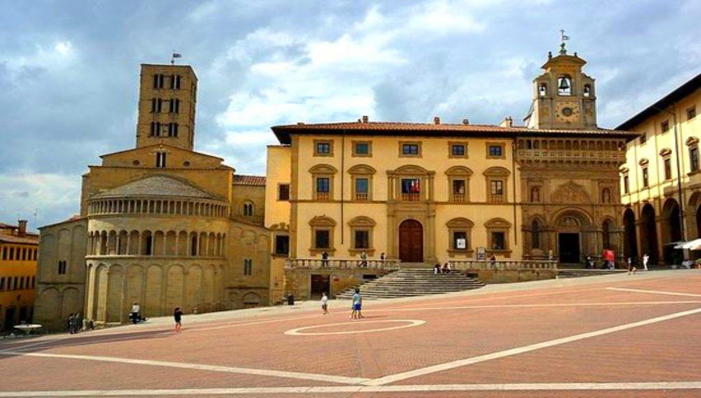 Arezzo que ver