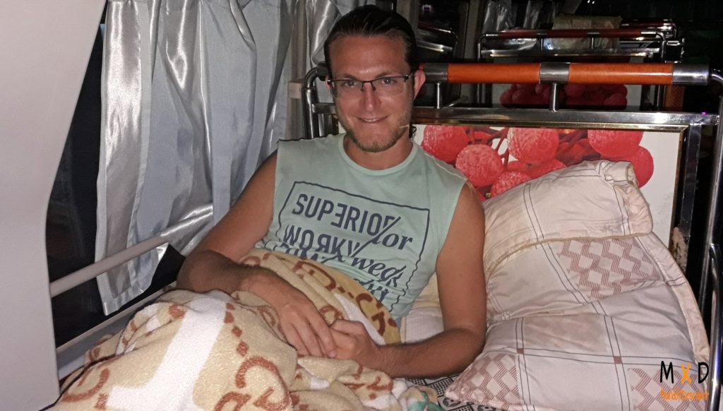 dormir en un bus en Tailandia