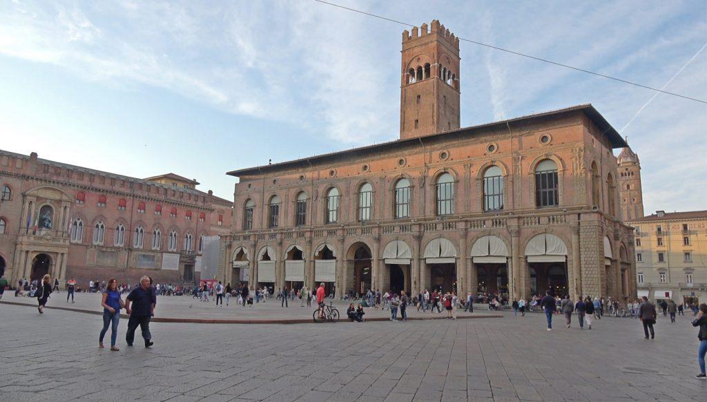 palacios bolonia
